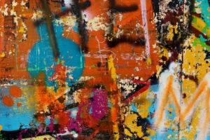 Kdo nám pomůže se zbavit graffiti Praha