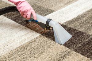 vyčistit ogrcany koberec