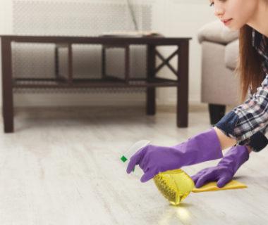 Strojové čištění dlažby