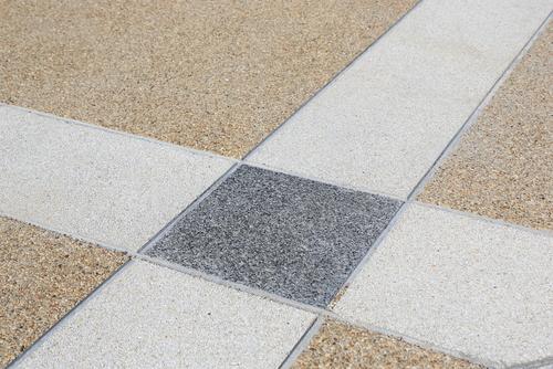 čištění lité podlahy