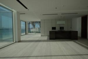 čištění podlah od cementu